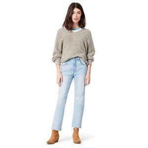 Wrangler Heritage Fit High Rise Jeans Light Wash Light Distressing